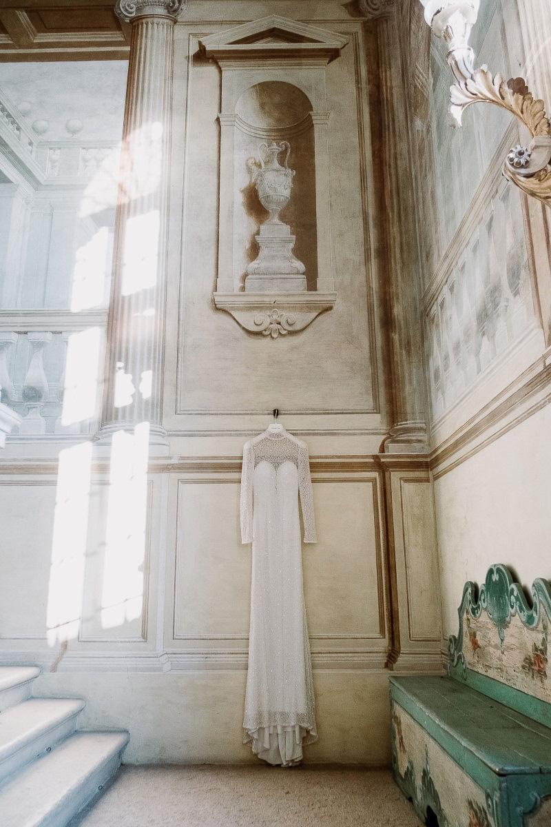 winter wedding bride dress accessories