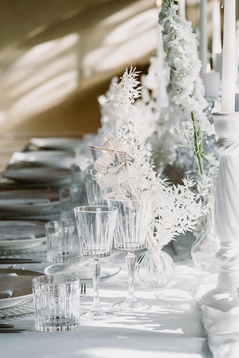 winter wedding in villa table set