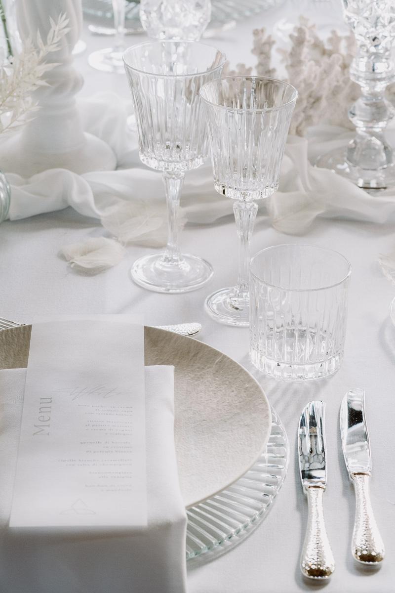 winter wedding in villa mise en place