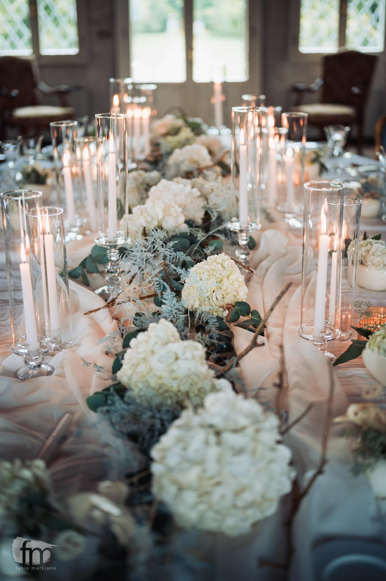 elegant wedding in villa table flowers