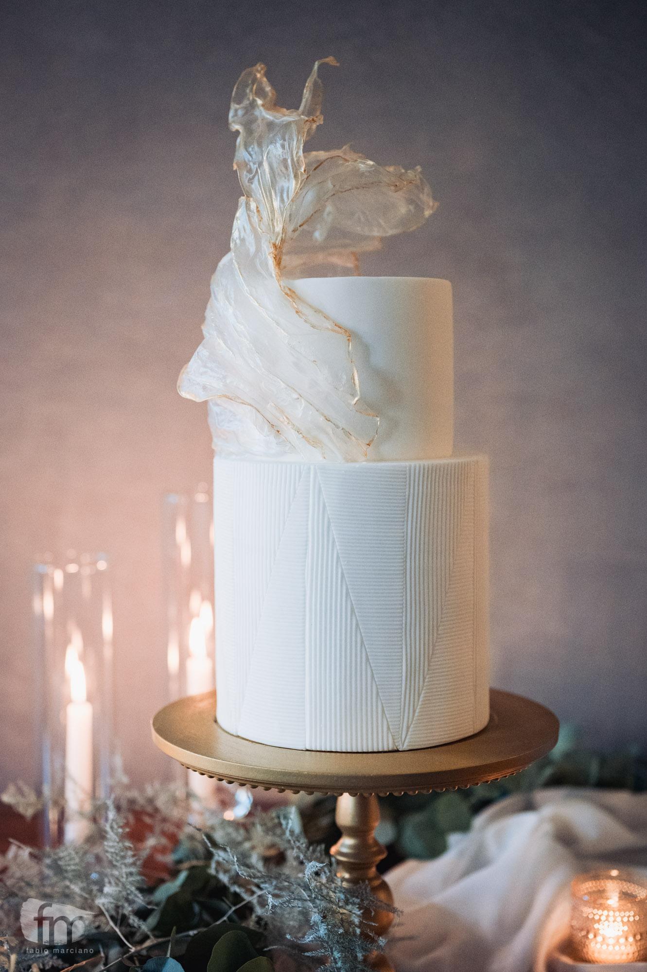 elegant wedding in villa stationery cake
