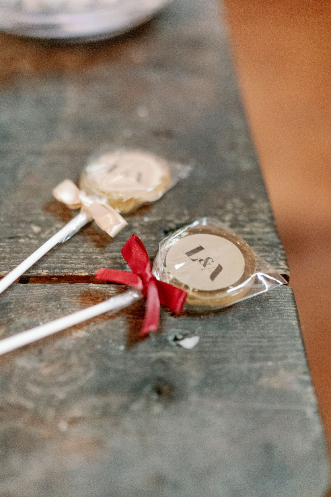 atumn fall wedding sweet table lollipo suckers