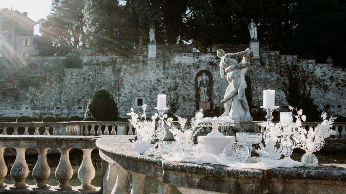 winter wedding sweet table